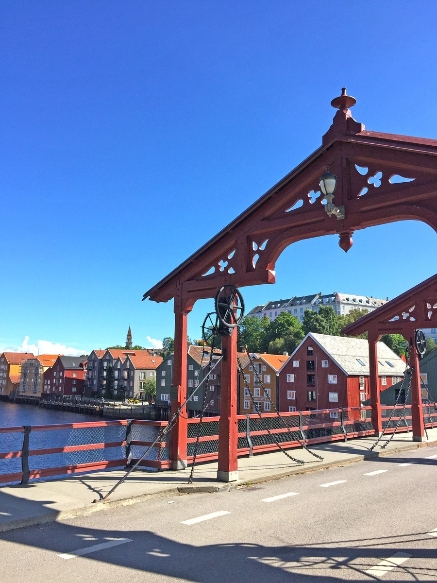 Zigeunerjunx Old Town Bridge Trondheim